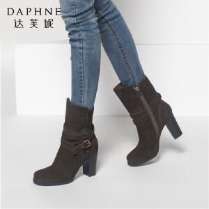 达芙妮冬季女靴时尚休闲靴子圆头粗高跟女鞋皮带扣女短靴中筒靴