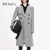 MOCO春新品翻领双排扣中长款千鸟格纹大衣外套MAI1OVC001 摩安珂