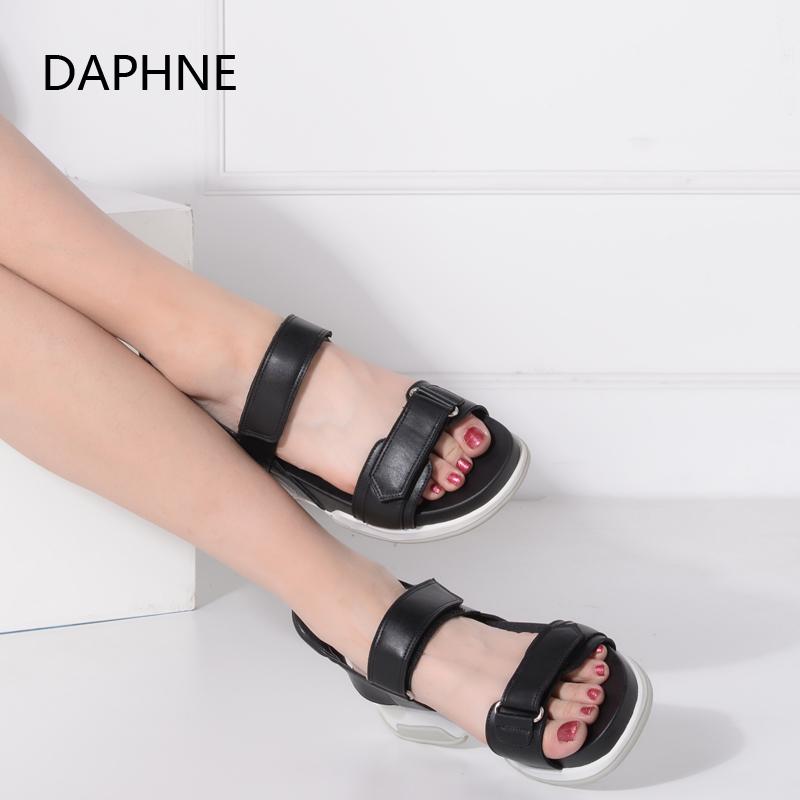 Daphne/达芙妮女鞋 夏新款时尚圆头露趾一字面高跟细跟凉拖女凉鞋
