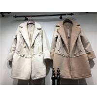 V1冬季新款羊羔毛中�L款棉衣外套女麂皮�q加厚棉�\大衣�p排扣1.15