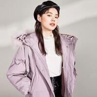 太平鸟浅色短款羽绒服女2019冬季新款设计感连帽长袖上衣女装