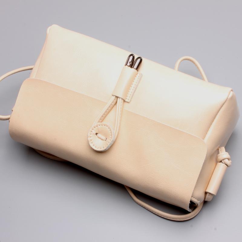 新款品牌牛皮斜跨女包新款真皮包单肩小包包简约小方包复古斜挎包 一般在付款后3-90天左右发货,具体发货时间请以与客服协商的时间为准