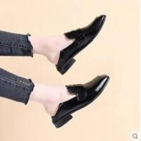 小皮鞋女英伦百搭潮款新款韩版一脚蹬粗跟学院风方头平底单鞋