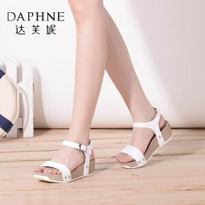 Daphne/达芙妮夏季款 一字面拼接金属扣潮女凉鞋