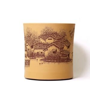 紫泥粉浆 精品笔筒 烟雨江南 助理工艺美术师手工刻绘 正宗紫砂