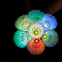 发光的羽毛球 4只装荧光耐打LED夜光带灯发光发亮羽毛球夜用打不烂彩色羽毛球HW