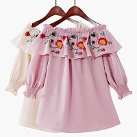 2018夏季新款甜美荷叶袖复古中袖一字领雪纺衫花朵刺绣娃娃衫