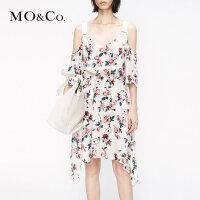 MOCO2019夏季新品碎花吊带露肩印花连衣裙MAI2DRS052 摩安珂