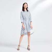 太平鸟蓝色条纹连衣裙女2019夏季新款束腰方领宽松五分袖长裙女