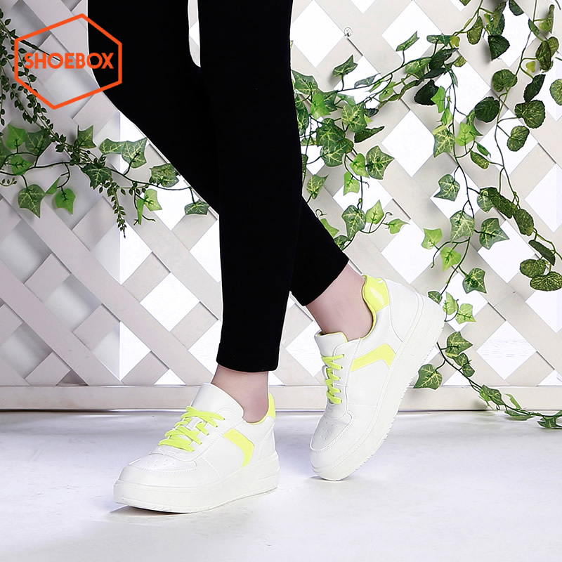 达芙妮旗下SHOEBOX/鞋柜春季新款潮韩版中跟女鞋休闲系带板鞋-