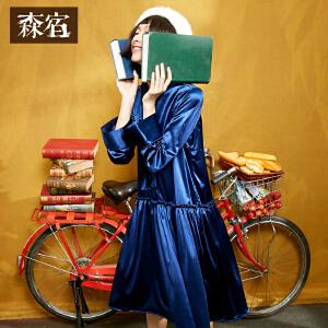 森宿自拍系列冬装文艺知性木耳边装饰下摆碎褶条纹织带阔口袖丝绒连衣裙