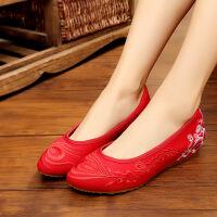 老北京布鞋女春季新款红色尖头单鞋子坡跟鞋红色绣花鞋民族风女鞋