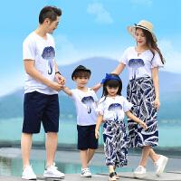 亲子装夏装新款潮一家三口全家装母子母女短袖T恤海边沙滩装