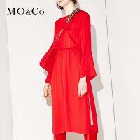 MOCO露背V领绑带收腰喇叭袖开衩纯色连衣裙MA171DRS205 摩安珂