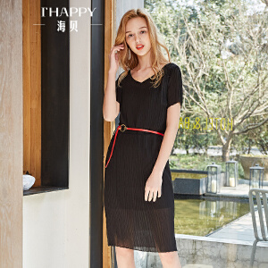 海贝2018夏装新款 黑色V领镂空松紧收腰百褶中长款修身短袖连衣裙