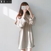 秋冬女装新款韩版V领宽松中长款毛衣连衣裙学生针织短裙