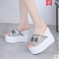 坡跟凉拖鞋女抖音同款时尚韩版百搭厚底鞋一字拖沙滩女鞋
