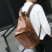 个性休闲双肩包男士韩版潮流背包男时尚学生书包旅行包疯马皮男包 咖啡色