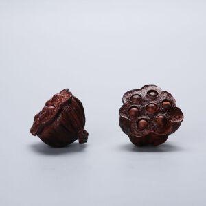 印度小叶紫檀木手工雕莲蓬挂件一对