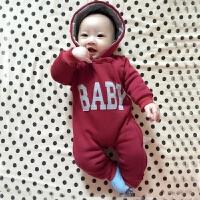 女婴儿连体衣服0岁3个月1男宝宝秋冬装6新生儿外套装加绒加厚棉衣
