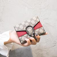 ins爆款欧美复古2019短款女士折叠小钱包卡包一体包薄搭扣零钱包