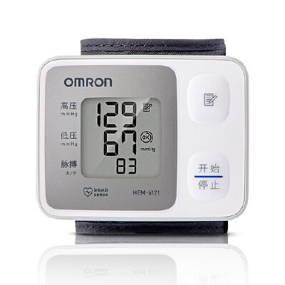 欧姆龙(OMRON)电子血压计 HEM-6121 精巧腕式小巧易操作,随时随地测血压!
