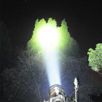 黄光高亮强光手电筒可充电户外超亮氙气LED打猎探照灯