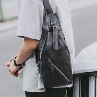 潮牌包包新款男士胸包真皮包斜挎包男包单肩包韩版小背包休闲腰包