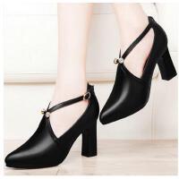 古奇天伦黑色尖头单鞋子红色高跟鞋婚鞋女新款红色新娘鞋粗跟ERT8646