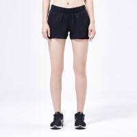 adidas阿迪达斯女装运动短裤跑步运动服AZ2938