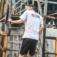 日系夏季男�b��性英文字母印花棉上衣男�n版�A�I短袖T恤男潮