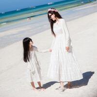 亲子装夏季母女连衣裙沙滩裙 V领显瘦刺绣白色长裙
