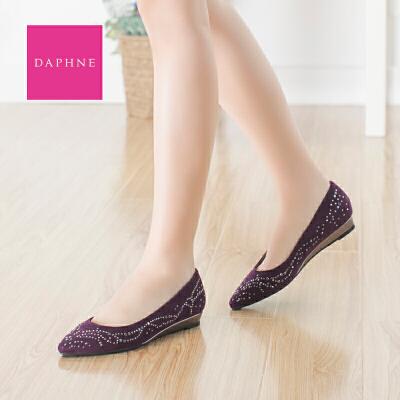 Daphne/达芙妮  女鞋 尖头铆钉布面单鞋坡跟套脚休闲鞋年末清仓,售罄不补货!