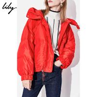 【此商品每满200减50,到手价699元】 Lily2019冬新款女装纯色宽松蛋型背带短款加厚立领连帽羽绒服3901