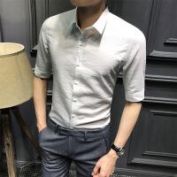 夏季男士五分袖衬衫新款纯色中袖衬衣时尚青年字母刺绣修身寸衫