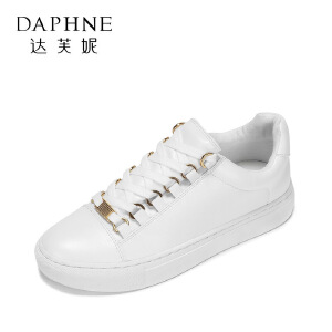 Daphne/达芙妮 春款百搭圆头系带小白鞋 潮流金属装饰平底单鞋