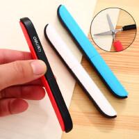 得力创意旅行折叠小剪刀学生手工课多功能随身口袋便携式安全剪刀