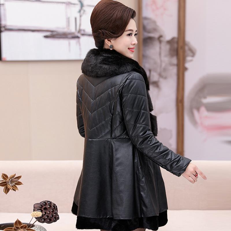 妈妈装冬装新款中长款PU皮棉衣大码中老年女装40-50岁大毛领 一般在付款后3-90天左右发货,具体发货时间请以与客服协商的时间为准