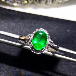 天然哥伦比亚祖母绿戒指,主石尺寸:6x8mm!