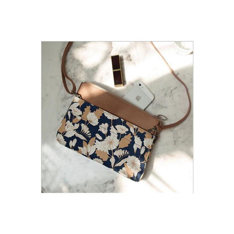 火烈鸟韩版旅行女式斜挎包单肩包手拿包化妆包便携多功能收纳包 包邮