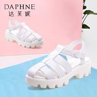 Daphne/达芙妮女鞋夏季凉鞋包头侧空中跟露趾凉靴-