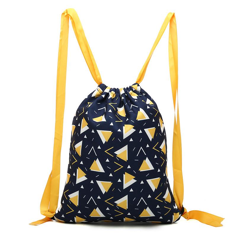 新款束口袋抽绳双肩包女韩版帆布书包韩国学生简易拉绳轻便背包收纳袋 一般在付款后3-90天左右发货,具体发货时间请以与客服协商的时间为准