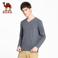骆驼男装 2018年春季新款男青年长袖微弹绣标男士纯色V领T恤衫