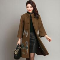 中老年女装冬装毛呢外套中长款40-50岁妈妈秋装风衣绣花呢子大衣