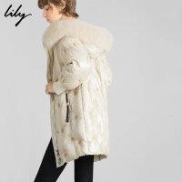 【此商品每满200减50,到手价1199元】 Lily2019冬新款女装星际绣花炫彩反光白鸭绒狐狸毛领羽绒服1977