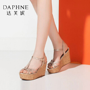 Daphne/达芙妮夏季新品 时尚坡跟厚底格利特女凉鞋-