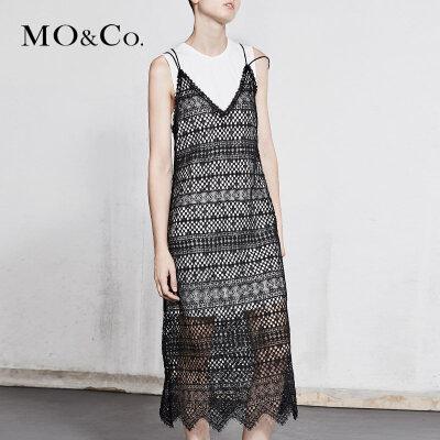MOCO春季新品镂空蕾丝两件套连衣裙MA181DRS124 摩安珂 满399包邮 实穿两件套 休闲性感蕾丝