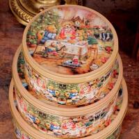 圆形收纳盒铁皮盒饼干盒小熊一家圆罐马口铁盒三件套
