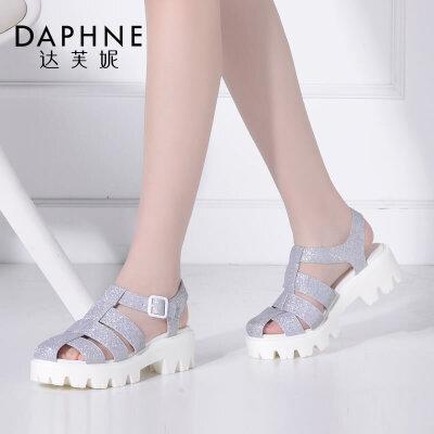 Daphne/达芙妮女鞋夏季新款时尚包头镂空粗跟扣带女凉鞋