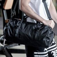 单肩包运动斜跨包男士手提旅行包女便携折叠斜挎圆筒包